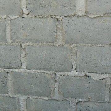 Błędy przy murowaniu, ocieplaniu i tynkowaniu – jak ich uniknąć